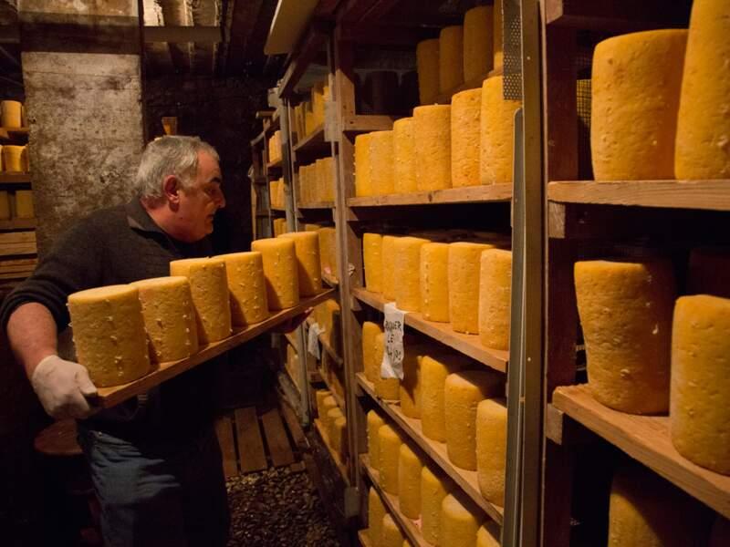 L'affinage du fromage, art de la lenteur, en dit long sur une autre qualité locale : l'opiniâtreté