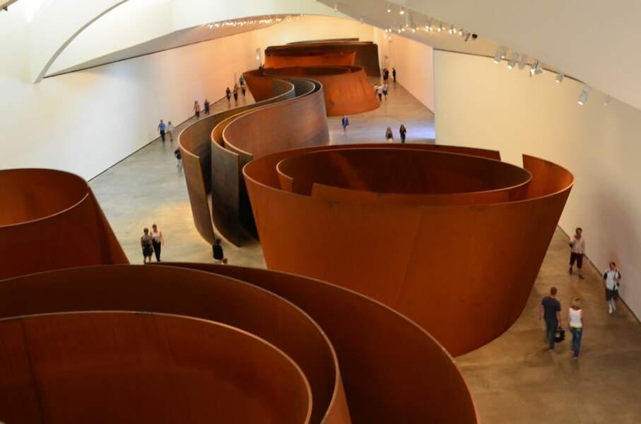 Installation permanente de Richard Serra au musée Guggenheim de Bilbao