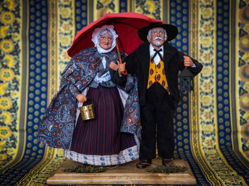 """L'objet culte : les santons, des poupées d'argile qui résistent au """"Made in China"""""""