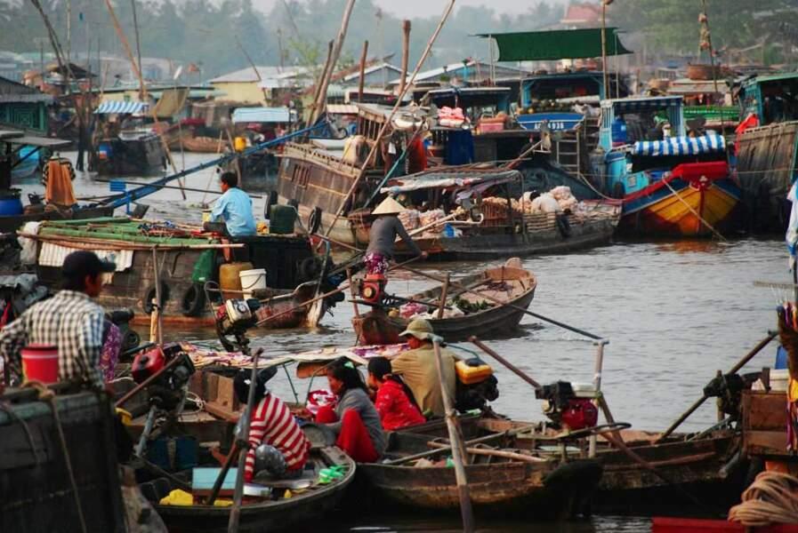 Photo prise au marché flottant de Cần Thơ (Vietnam) par le GEOnaute : alisha
