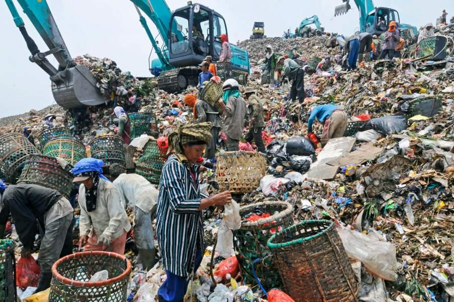 Jakarta, avalanche de déchets