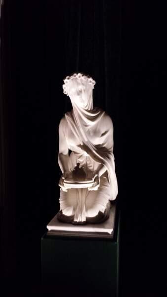 """Statue du film """"Orgueil et Préjugés"""""""