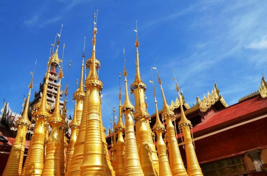 Vue d'une pagode restaurée en Birmanie, par la GEOnaute marie rolland