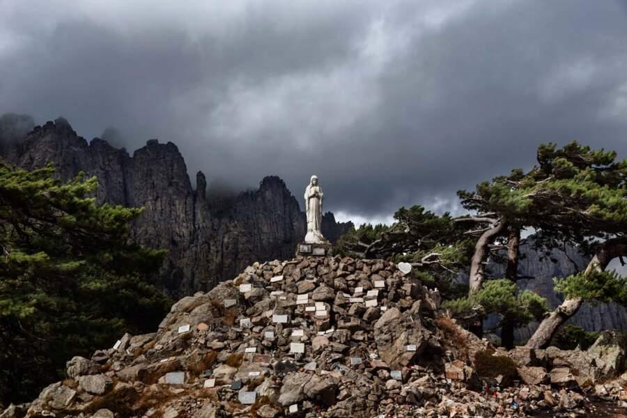 La vierge Notre-Dame-des-Neiges