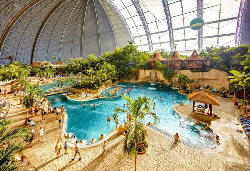 Un hôtel qui imite un pays tropical