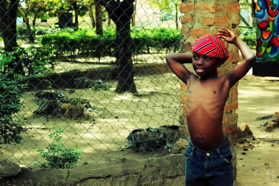 Enfant à Ifakara en Tanzanie, par sharlen