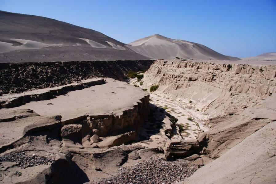 Spectacle surprenant que cette faille de Nazca au Pérou