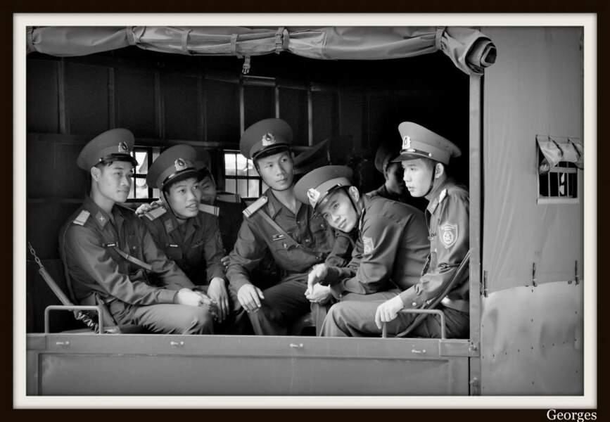 Jeunes soldats au Vietnam, par le GEOnaute georges
