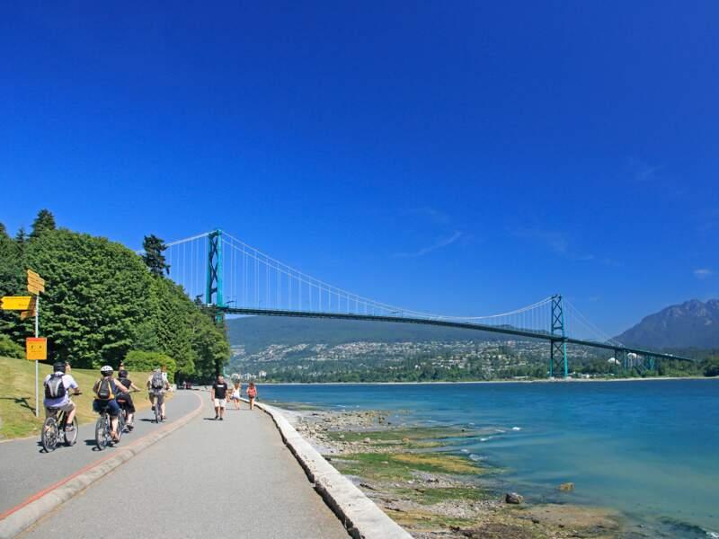 Humer l'ambiance de la ville à vélo