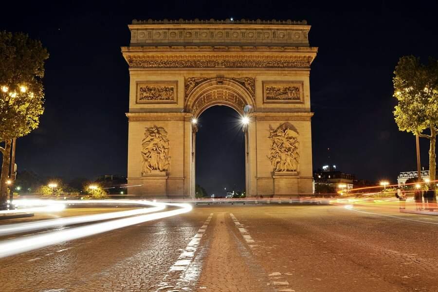 7. L'Arc de Triomphe
