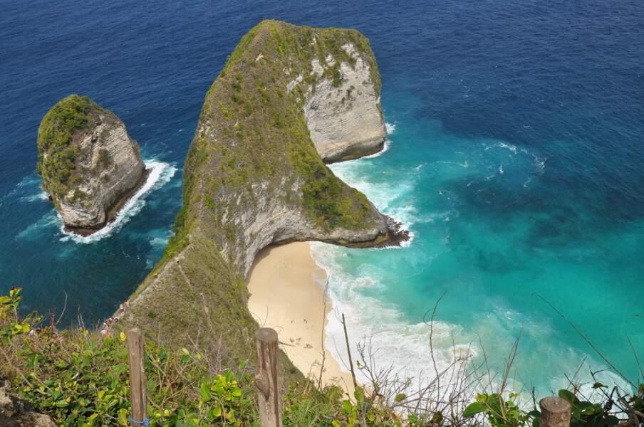 19 - Kelingking Beach, Nusa Penida, Bali