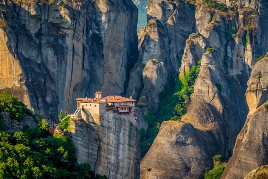 Le monastère de Roussanou dans les Météores