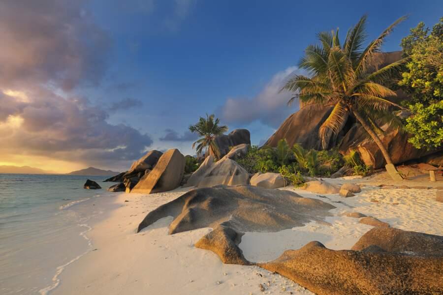Coucher de soleil sur l'Ile de la Digue