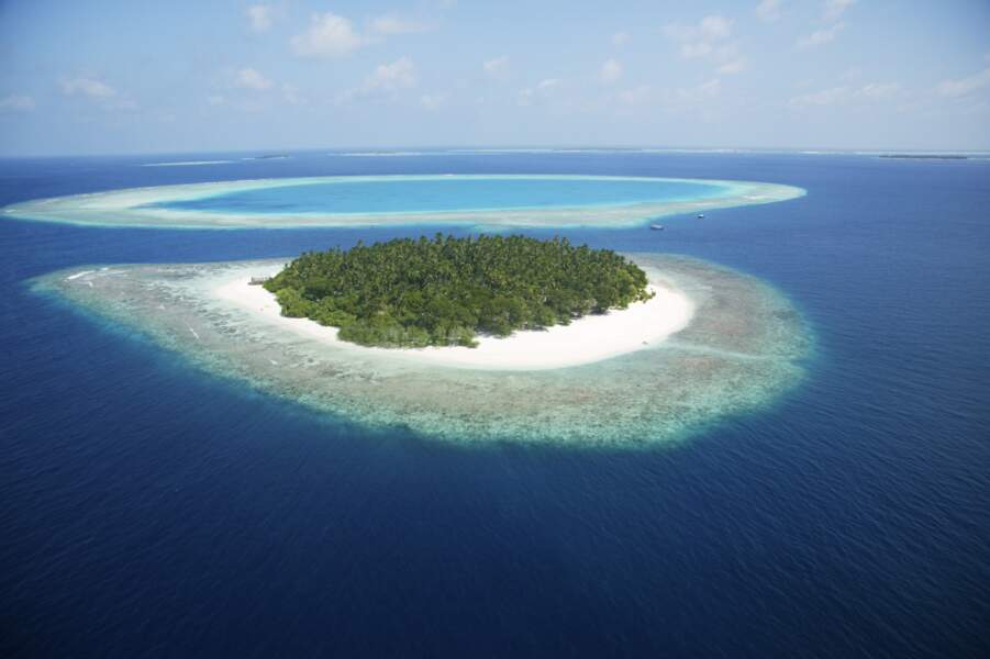 Vue aérienne d'un atoll des Seychelles