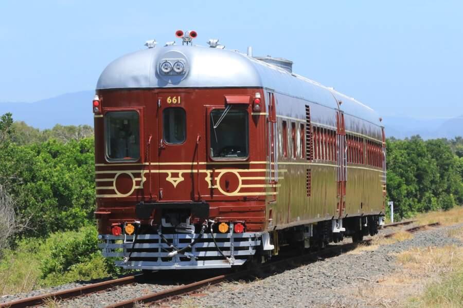 Une locomotive diesel entièrement rénovée