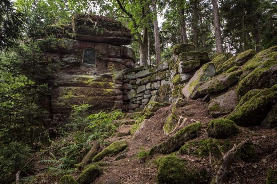 """Le grand mystère du """"mur païen"""" au mont Sainte-Odile"""