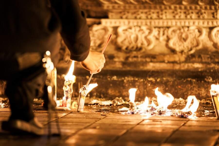 Fête religieuse de Magha Puja