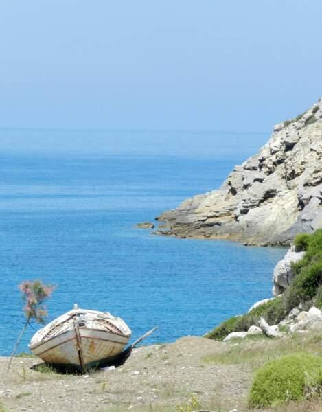 Mer et soleil dans l'archipel des Sporades en Grèce