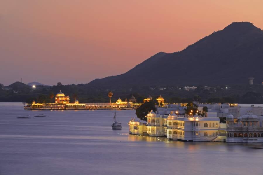Inde - Une nuit dans un palais flottant digne du Taj Mahal