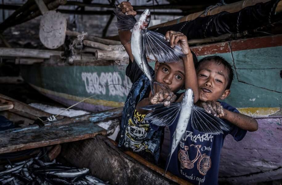 La joie des enfants de la tribu
