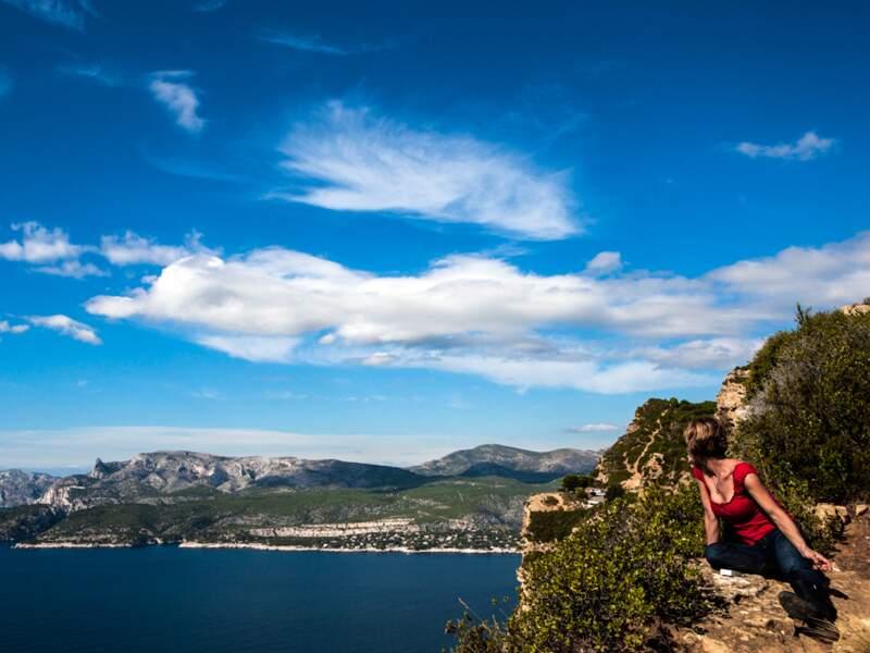 Calanques tombant à pic du côté de Marseille