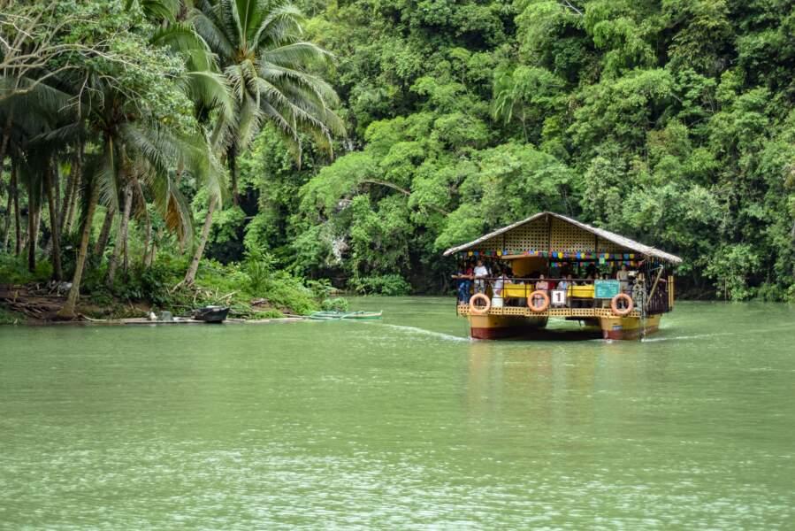 9e destination: la rivière Loboc aux Philippines