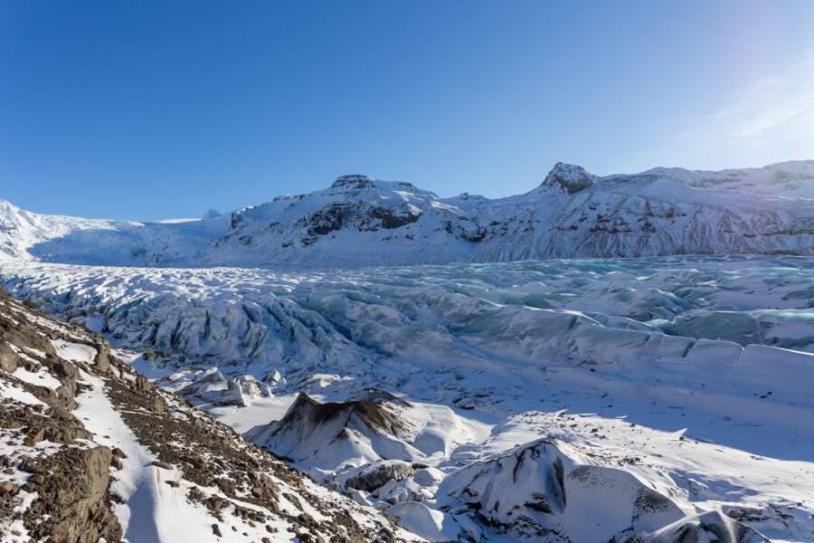 Glacier Svinafellsjökull, en Islande : les contrées de l'éternel hiver dans la série
