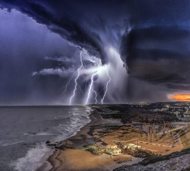 Plage de Redhead, Australie : une photographie du tonnerre