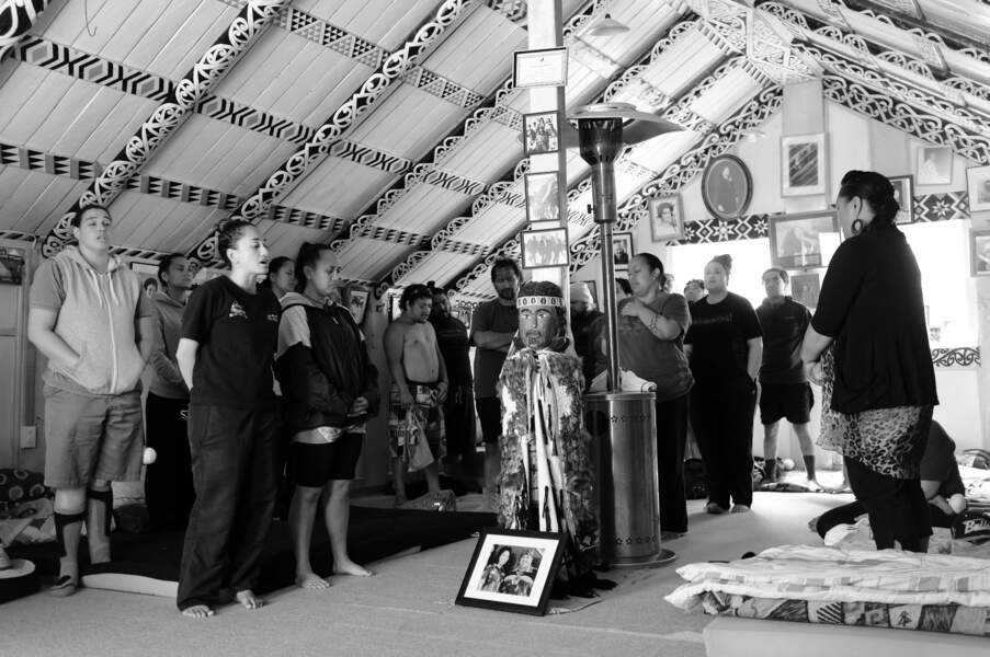 Disciples de la religion de Rua Kenana lors de la cérémonie hebdomadaire d'hapati (sabbath)