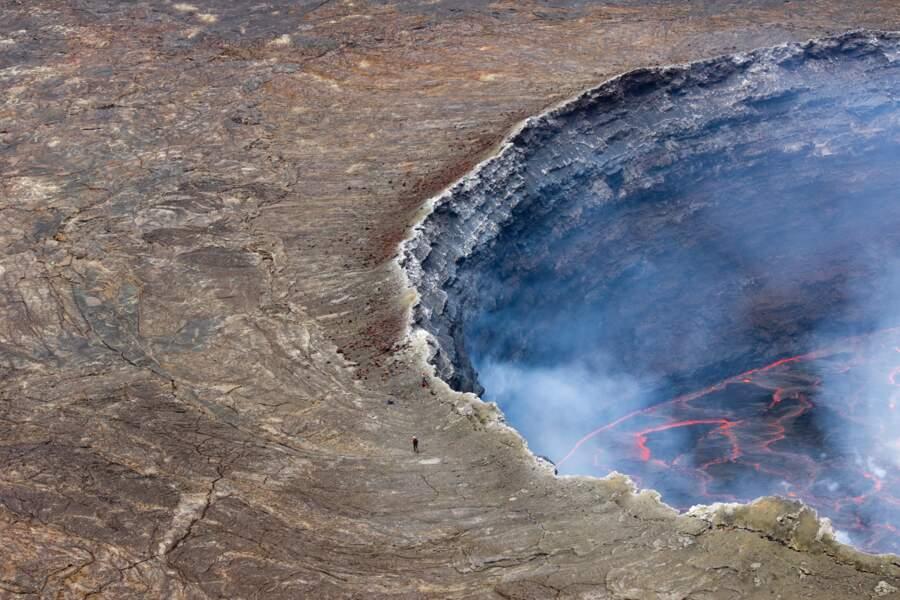 Volcan Nyiragongo, République démocratique du Congo : une terrasse avec vue sur l'enfer