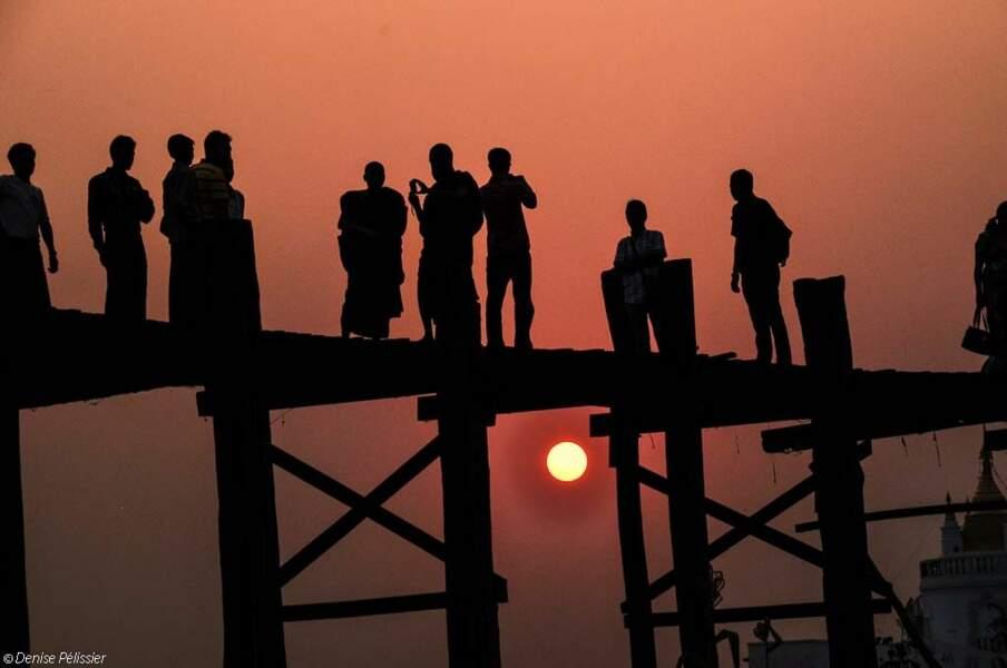 Photo prise sur le Pont d'U Bein (Birmanie) par le GEOnaute : Denise44