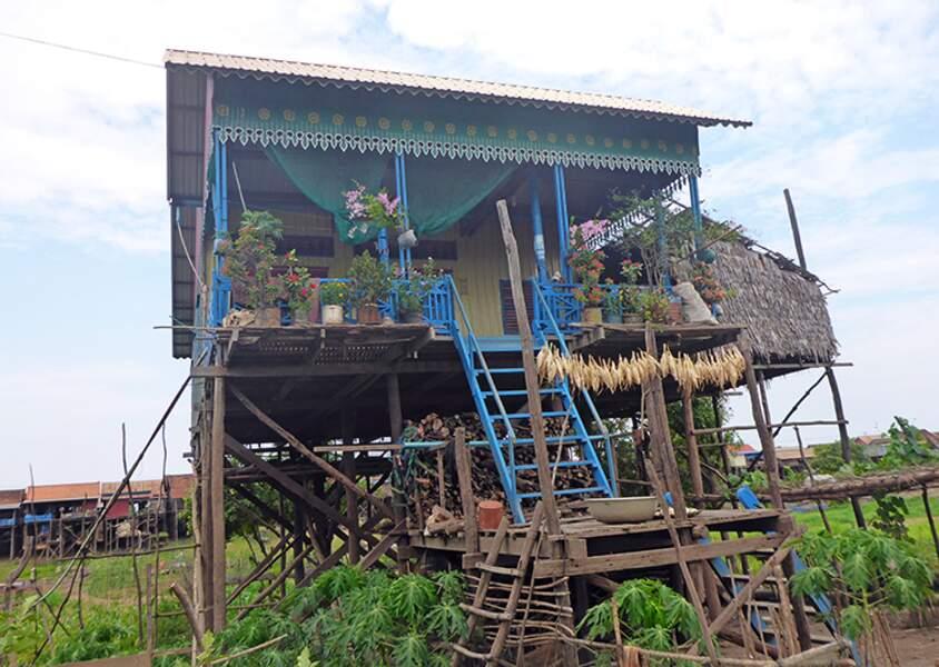 Cambodge - Kompong Khleang : un village sur pilotis