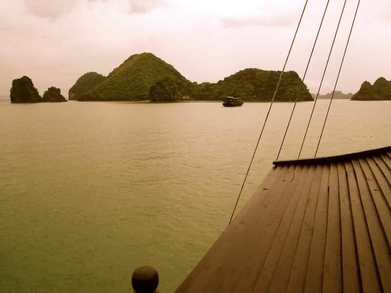 Baie d'Along, au Vietnam, par le GEOnaute lilyjo