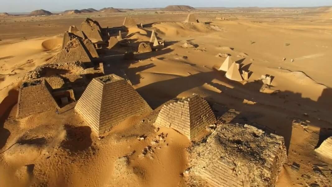 VIDÉO - Explorez les pyramides nubiennes du Soudan