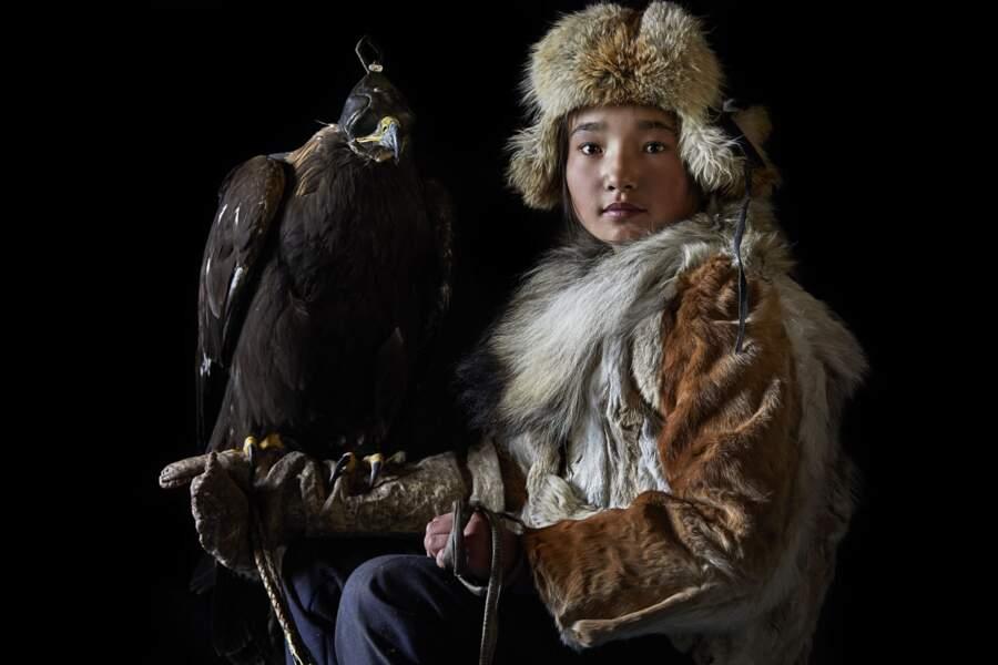 Damel Semser, 15 ans, et son aigle