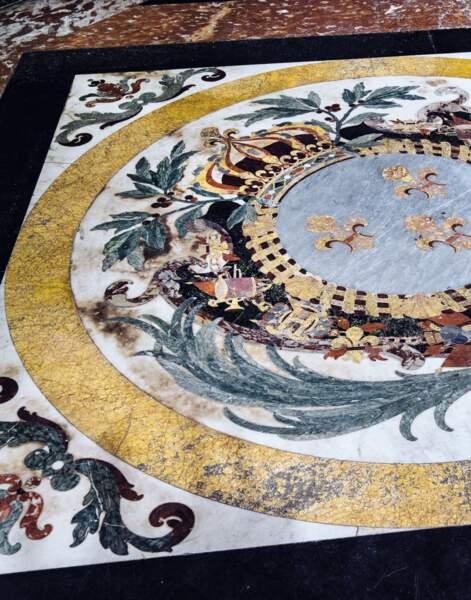 Pavement du chœur, XVIIIe siècle, mosaïque de marbres