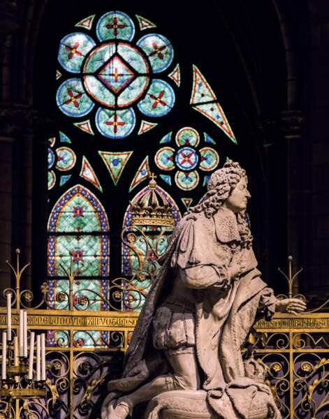 Statue du Roi Louis XIV en prière