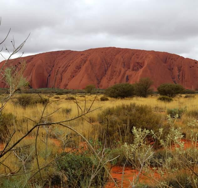 Le célèbre et magnifique rocher de Ayers Rock ou Uluru