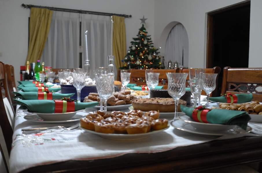 """Tout savoir sur le """"julbord"""", le joyeux banquet de Noël des Suédois"""
