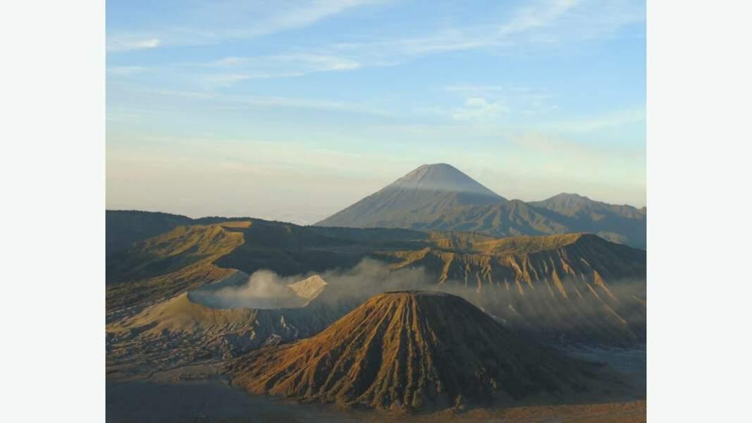 Les volcans à l'est de l'île