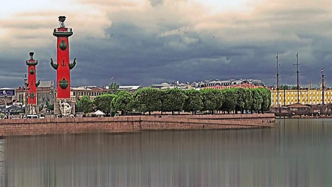 La Neva, un fleuve imposant au cœur de la ville