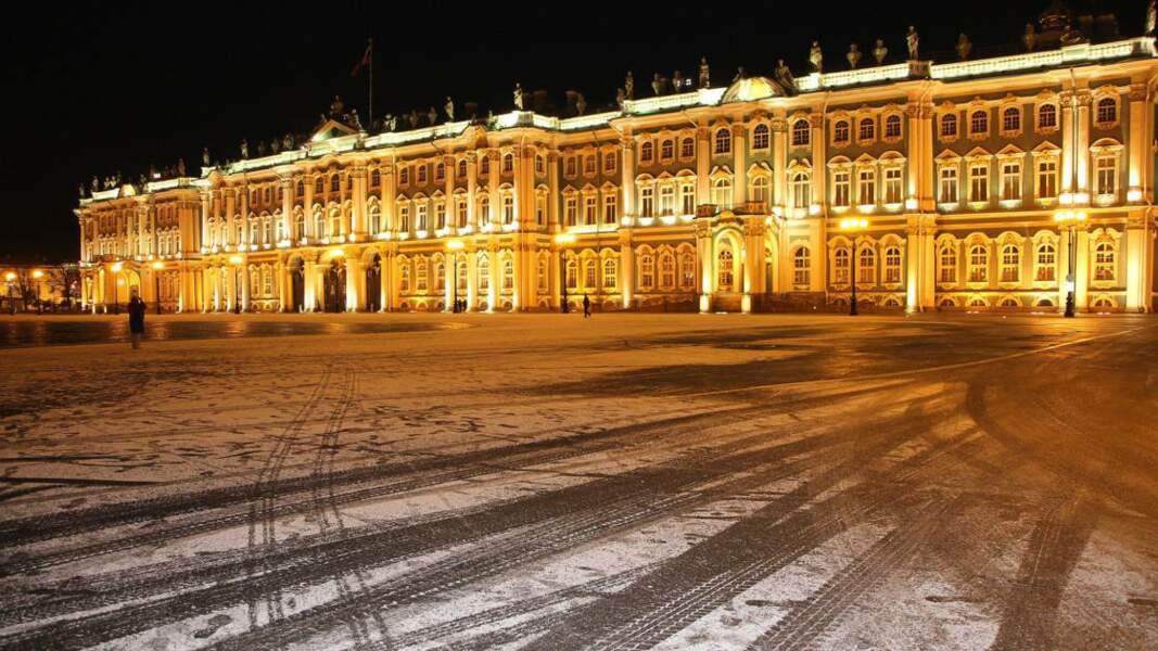Musée de l'Ermitage illuminé