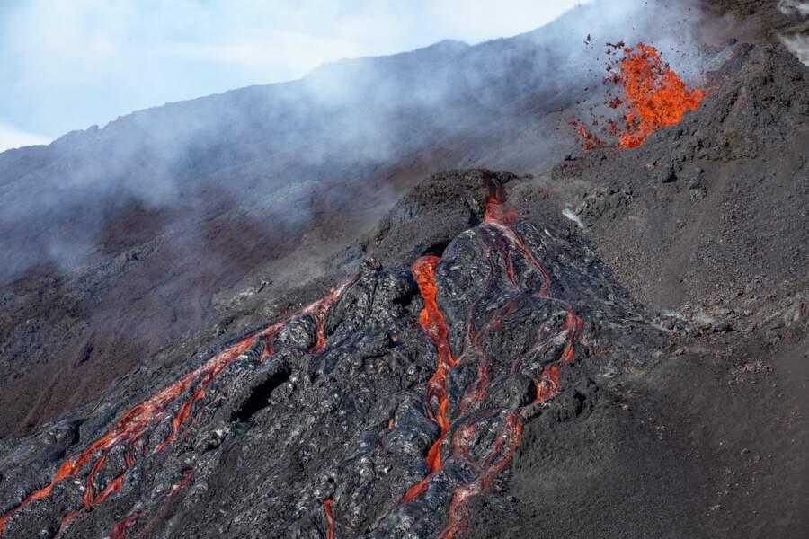 Il s'agit de l'un des volcans les plus actifs au monde