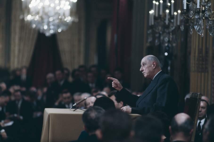 « L'Europe des 6, c'est comme un rôti. Le rôti, c'est la France et l'Allemagne, avec un peu de cresson autour, c'est l'Italie. Et un peu de sauce dessus : le Benelux. »