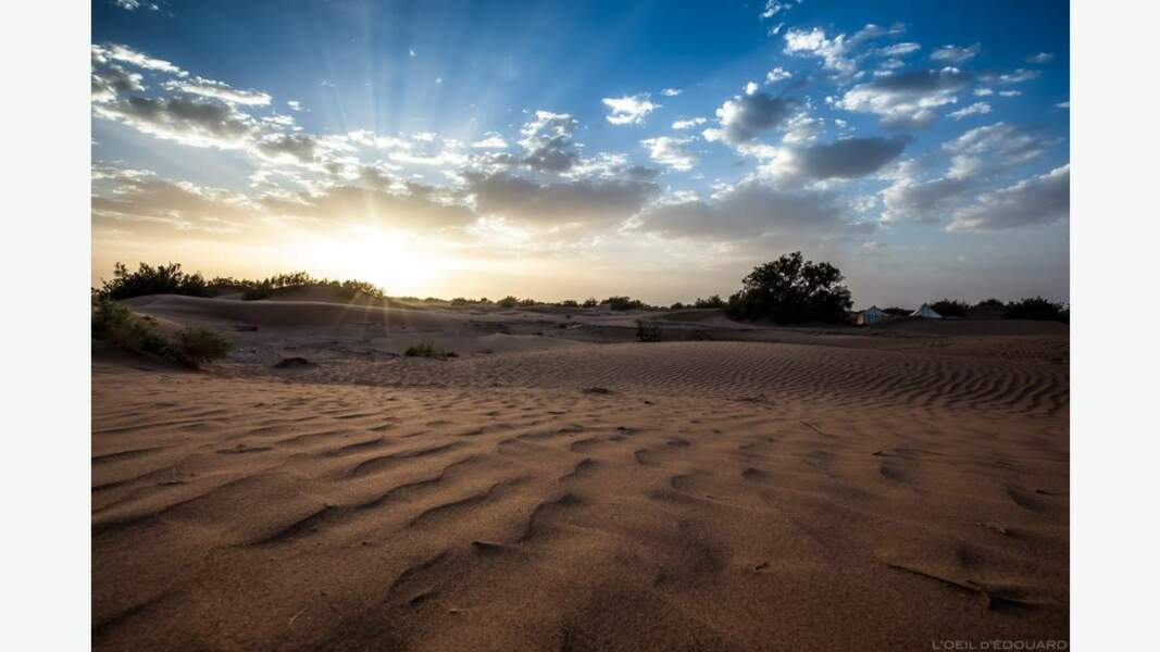 Coucher de soleil dans le désert marocain