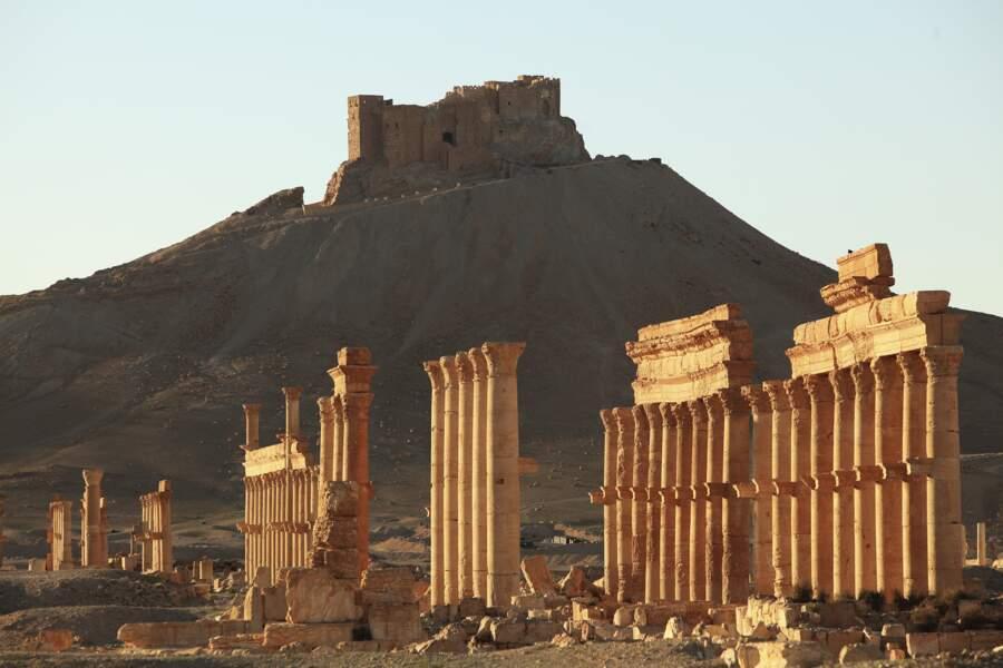 Cette grande colonnade a été la principale victime des dynamitages