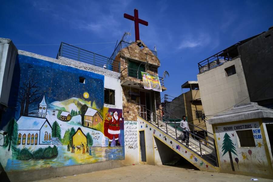 Les églises et symboles chrétiens ont droit de cité