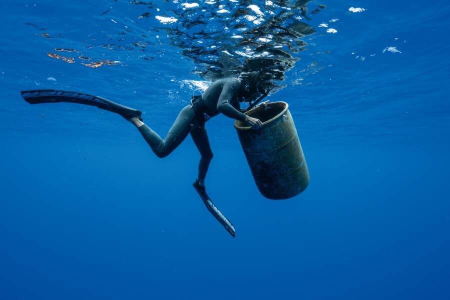 Nager pour alerter sur la pollution des océans