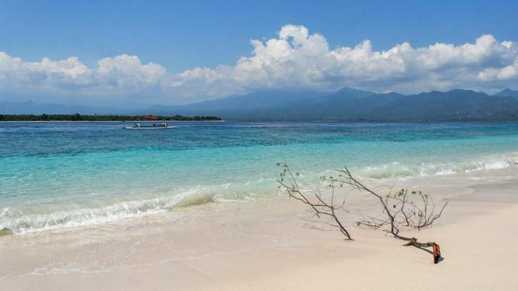 Sable blanc et eau turquoise : plage de rêve !