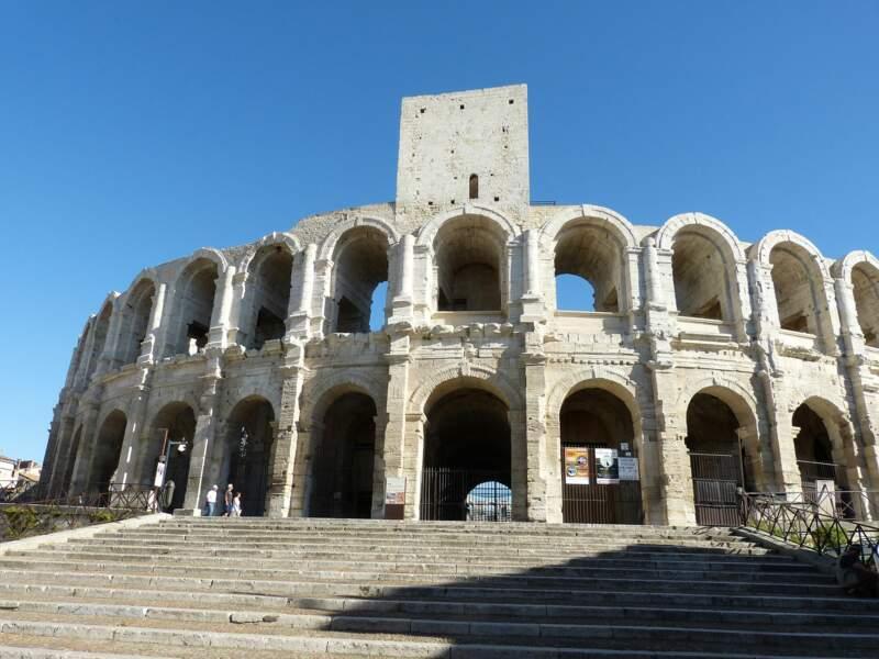 Les arènes d'Arles. Fidèle à Rome, la cité vit s'ériger cet amphithéâtre (entre 80 et 90).
